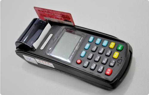 POS机是不是就是超市的收银机啊??(收银机和POS机的区别)